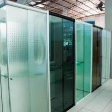 Vidraçaria , venda e instalação de box de vidro 8mm temperado incolor, acabamento , branco, preto,  e instalação valor R$198.00 M²